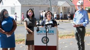 Commissioner Vega Pederson speaks at news conference with (from right) Senator Wyden, Rep. Pham, and Verde's Candace Avalos.
