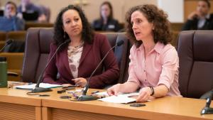 Health Officer Dr. Jennifer Vines testifies before county Board of Commissioners on epidemic of youth vaping