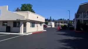 The Stark Street Shelter operated by Do Good Multnomah, under contract with the Joint Office.