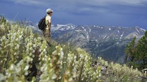 Hiking in Oregon; Photo by Christian Heeb