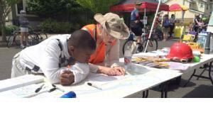 Volunteers teach neighbors about emergency preparedness
