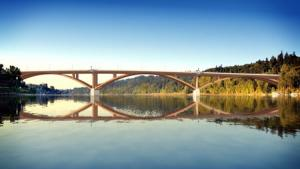 Simulation of steel deck arch for new Sellwood Bridge
