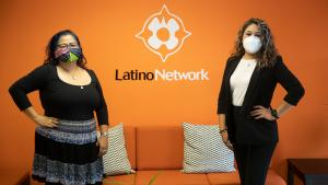 Cindy Agreda (izquierda) y Diana Trejo (derecha) son parte de la Iniciativa de Sanación Comunitaria (CHI), que brinda apoyo comunitario culturalmente apropiado a jóvenes y familias afectadas por la violencia.
