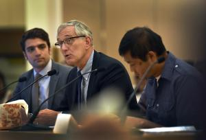 Mayor Hales (center), along with Sustainability director John Wasiutynski (left) and Douglas Tsoi (right)
